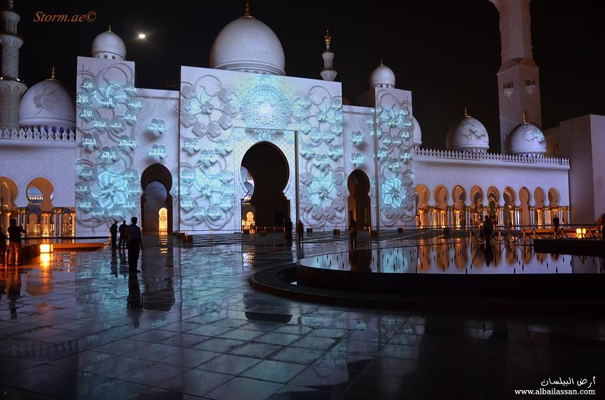 مسجد الشيخ زايد يفاجئ الزوار bilassan-13238982012